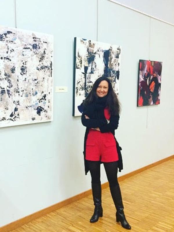Céline Weber a participé à Exposition Collective, 15 ème salon d'art, rencontre d'Artistes au Bout du Monde, Epône (France)