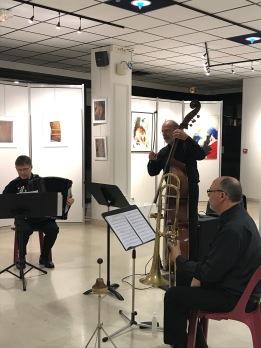 Patrick Lebreton (accordéon), Didier Agostino (contrebasse), Jean-Paul Allaume (trombone)